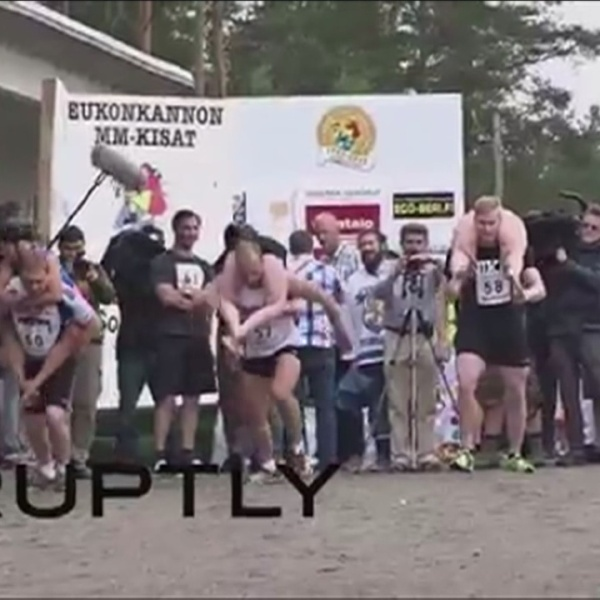 Wife carrying championship_105710