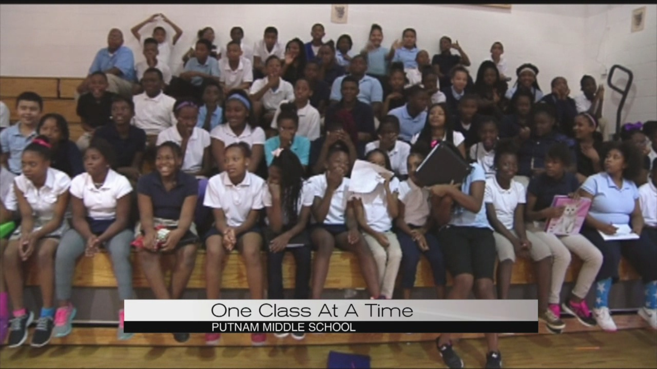 one class at a time Putman Middle School_117363