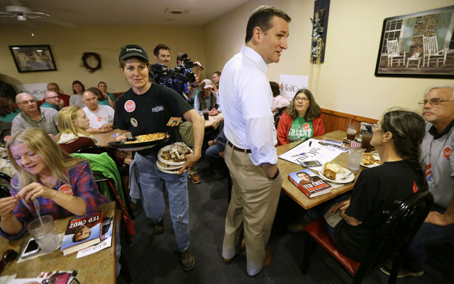 Republican presidential candidate, Sen. Ted Cruz and pizza_126696