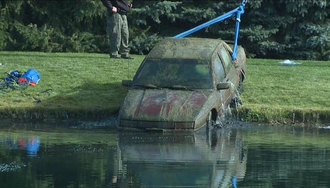 submerged-car_132804
