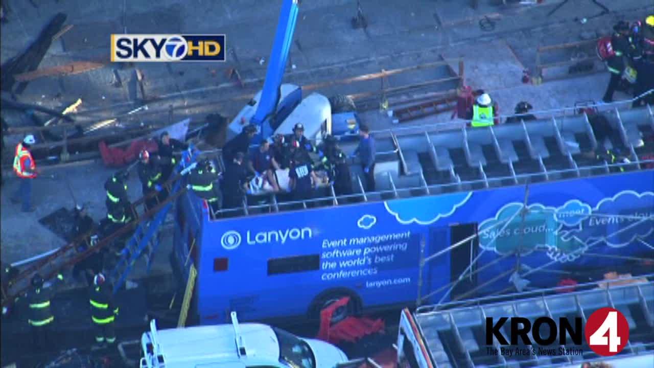 tour-bus-crash_133766