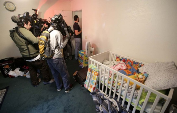Inside the San Bernardino shooters' apartment_138051