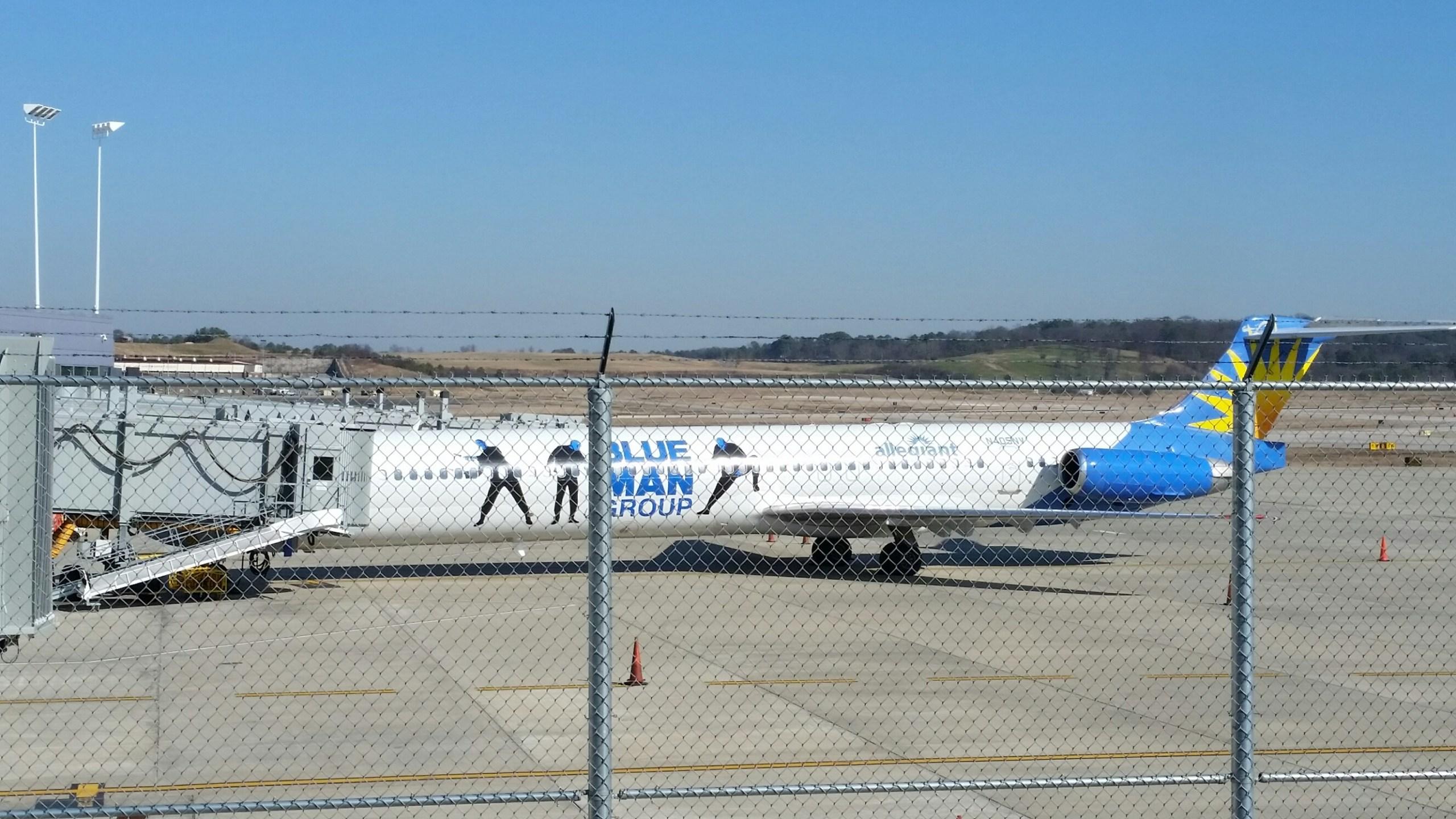 Plane landing_152041