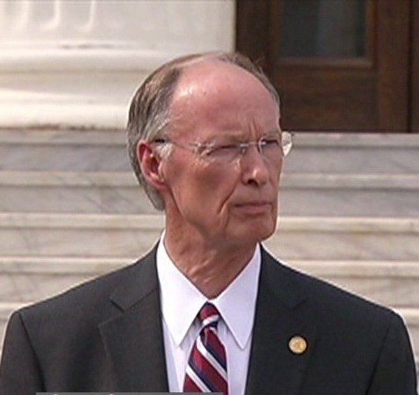 Governor Bentley_140456