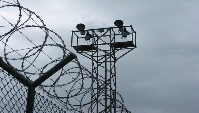 generic-prison-barbed-wire_152841