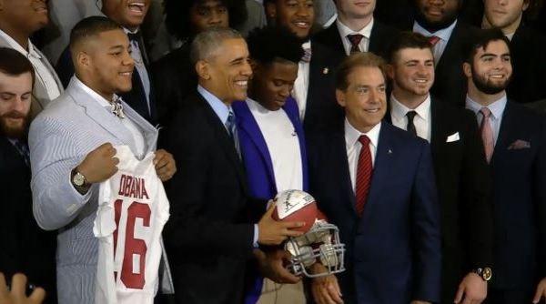 Obama and Alabama Crimson Tide_156601