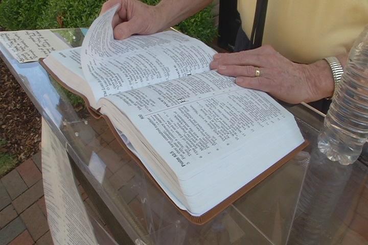 BIBLE1_169336