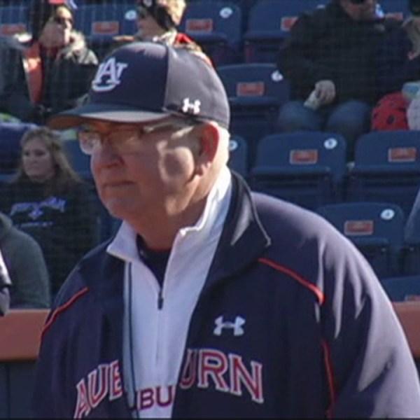 Clint Myers Auburn Softball_152375