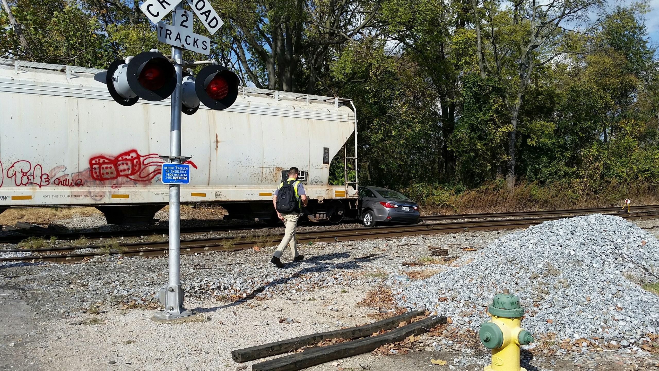 car-vs-train_201585