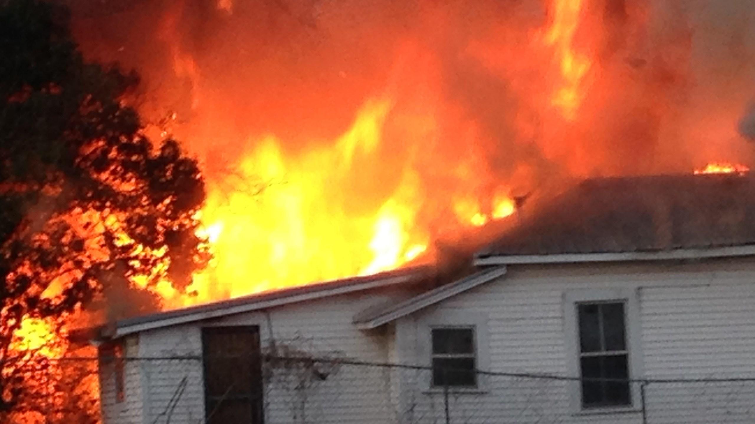 house-fire_215775