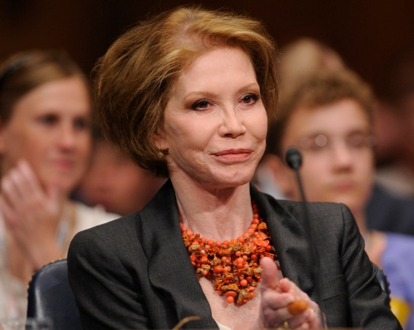 Obit Mary Tyler Moore_220539