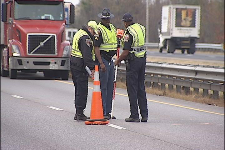 road closed lane closed arrow move over crash sign tuscaloosa alabama law enforcement alea state trooper_211790