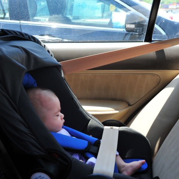 baby in car_276280