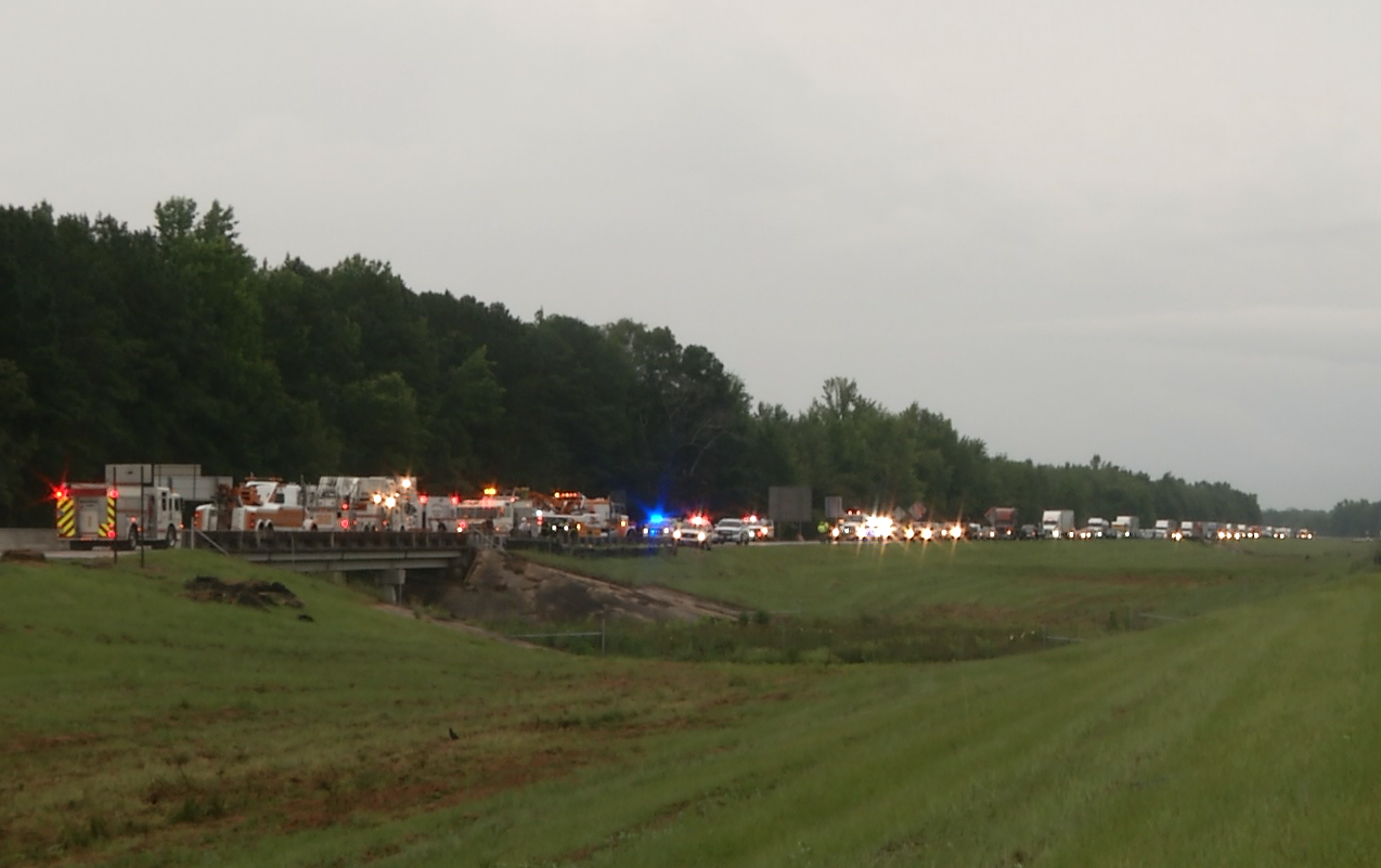 traffic backed up overturned truck fosters exit tuscaloosa county_279451