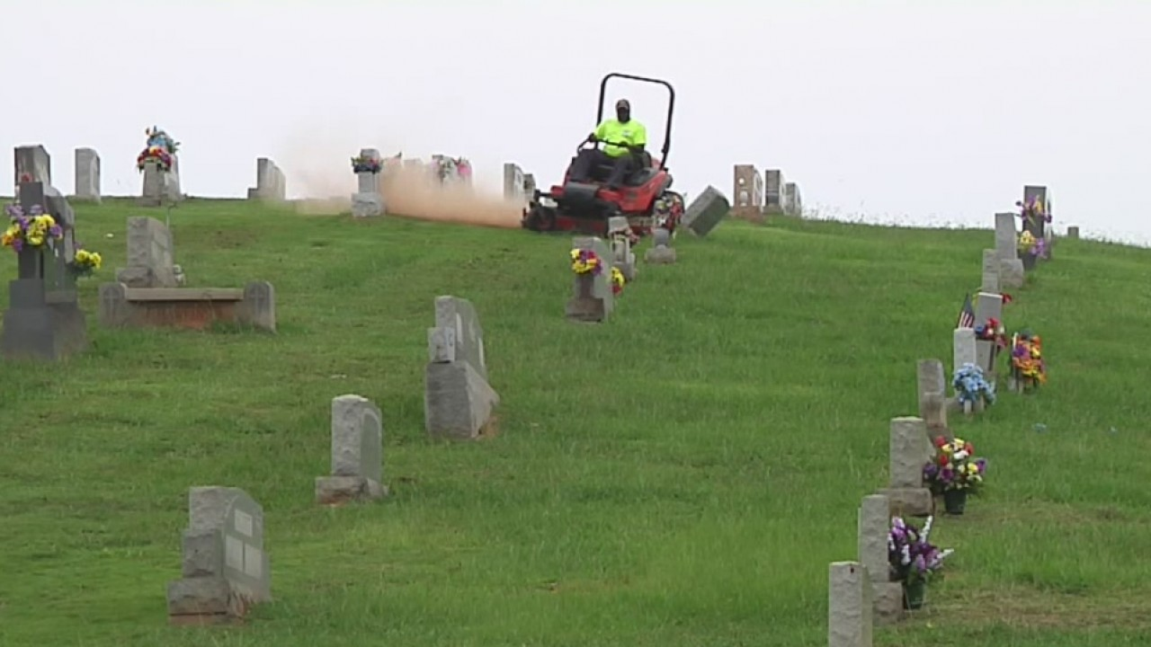 leeds cemetery concerns_296848