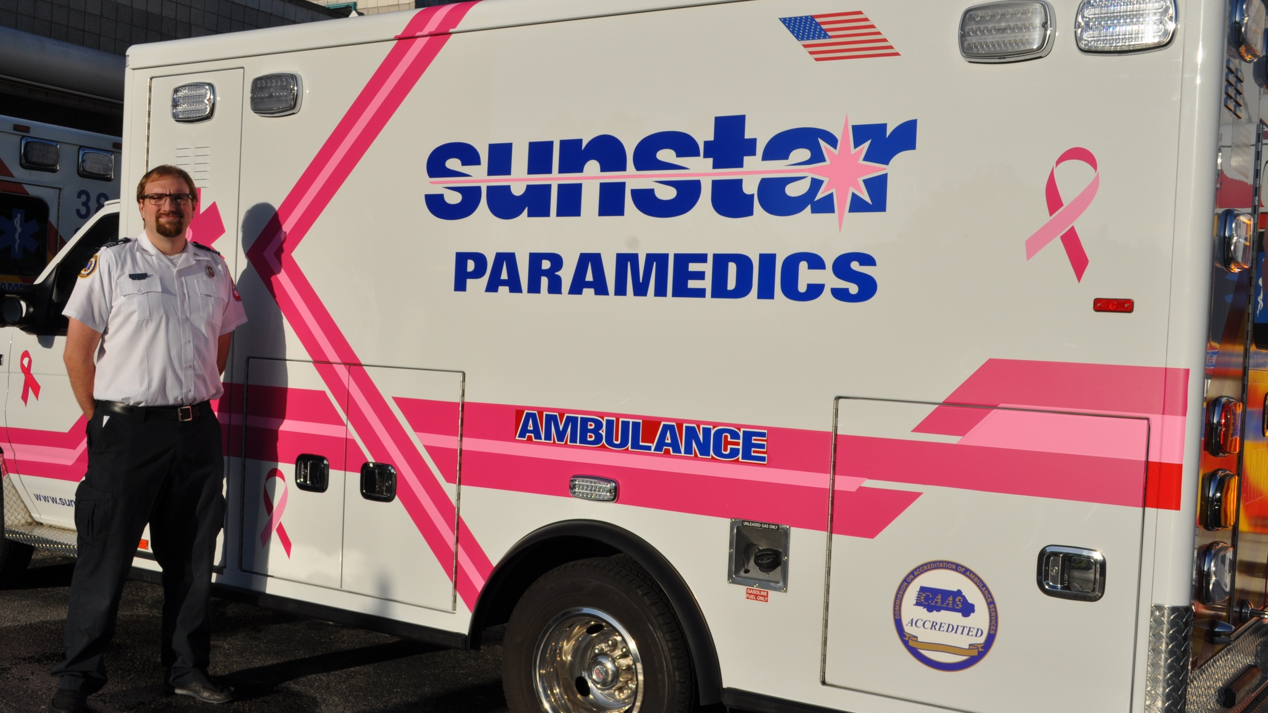 Bobby Stanley with Sunstar's pink ambulance_476949-846652698