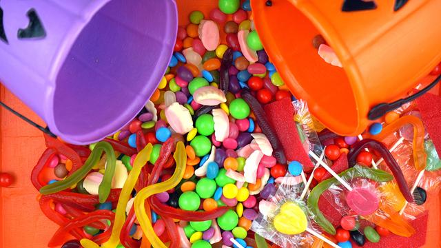 Halloween Trick Or Treat Candy Overhead Jack-o-lantern Buckets_325181