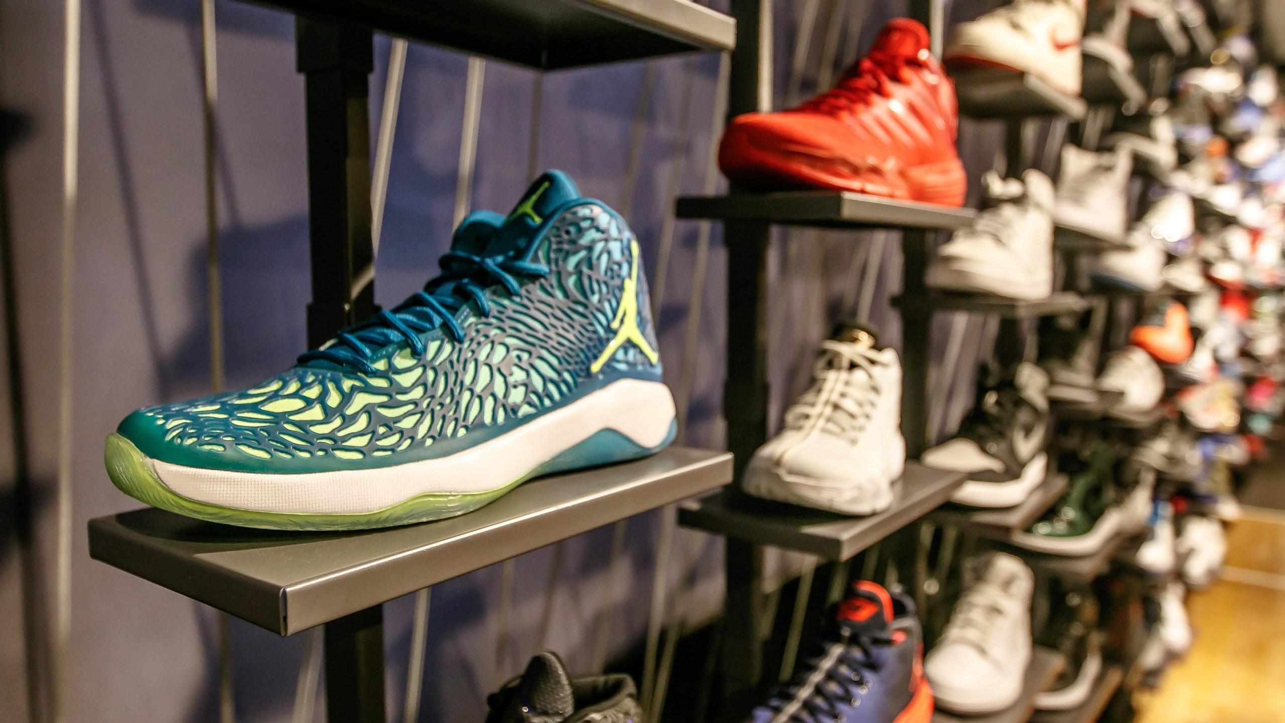 sneakers_328177