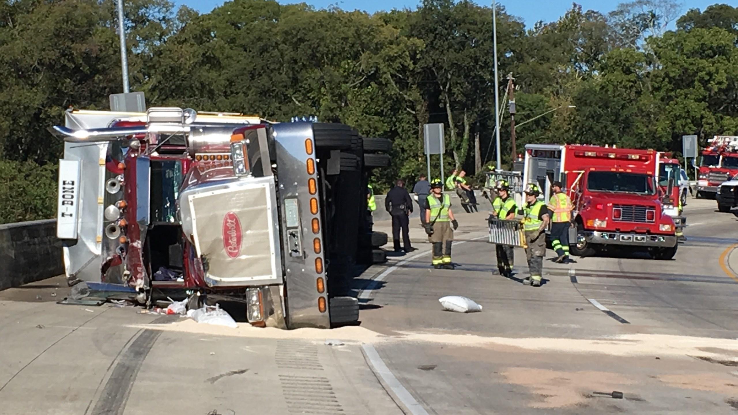 Truck Crash_325749