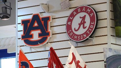 Auburn Alabama signs_343714