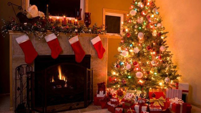 christmas-stockings-fireplace-holiday-christmas-tree_1513899484101_325387_ver1-0_30462887_ver1-0_640_360_352461