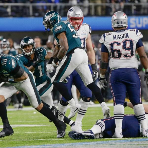 Eagles Patriots Super Bowl Football_1517801450210