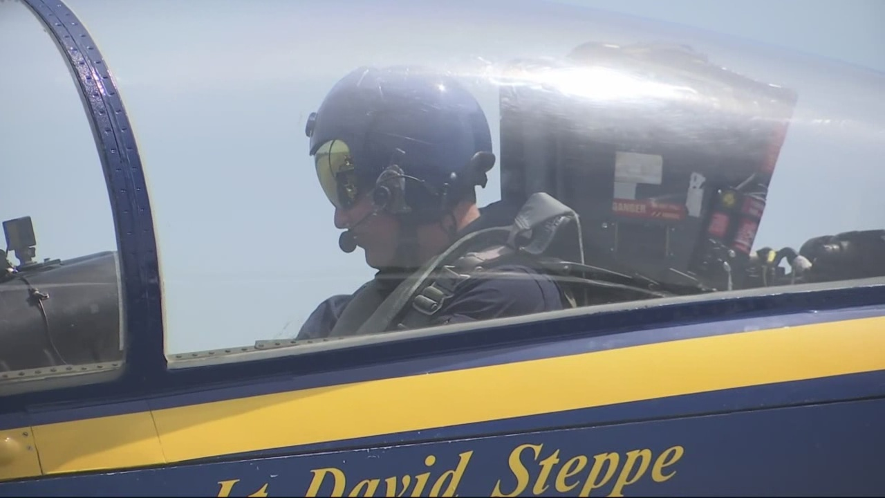 Flying_with_The_Blue_Angels_0_20180412035308