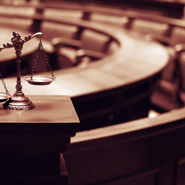 judge courtroom lawsuit sue gavel scales justice_242846