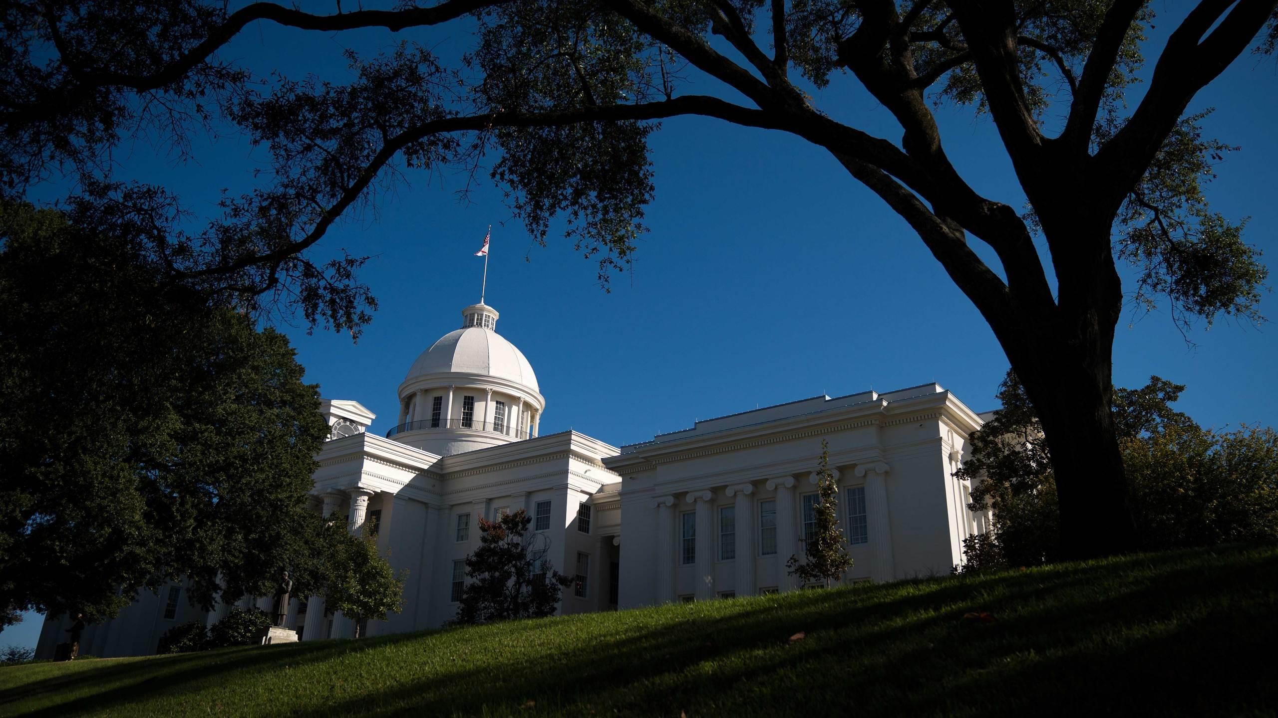 GettyImages-875397028-Montgomery-Alabama-capitol-building-election-resultd_1527262204438.jpg