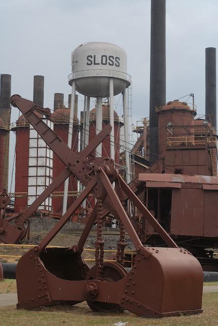 Sloss_Furnace,_Power_shovel_1531970202120.jpg