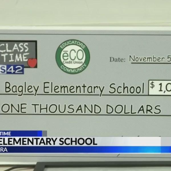 Bagley Elementary teacher gets $1,000 grant