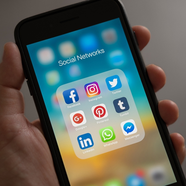 social-media-cell-phone-social-networks_1523383785761_359732_ver1_20180411053901-159532-159532