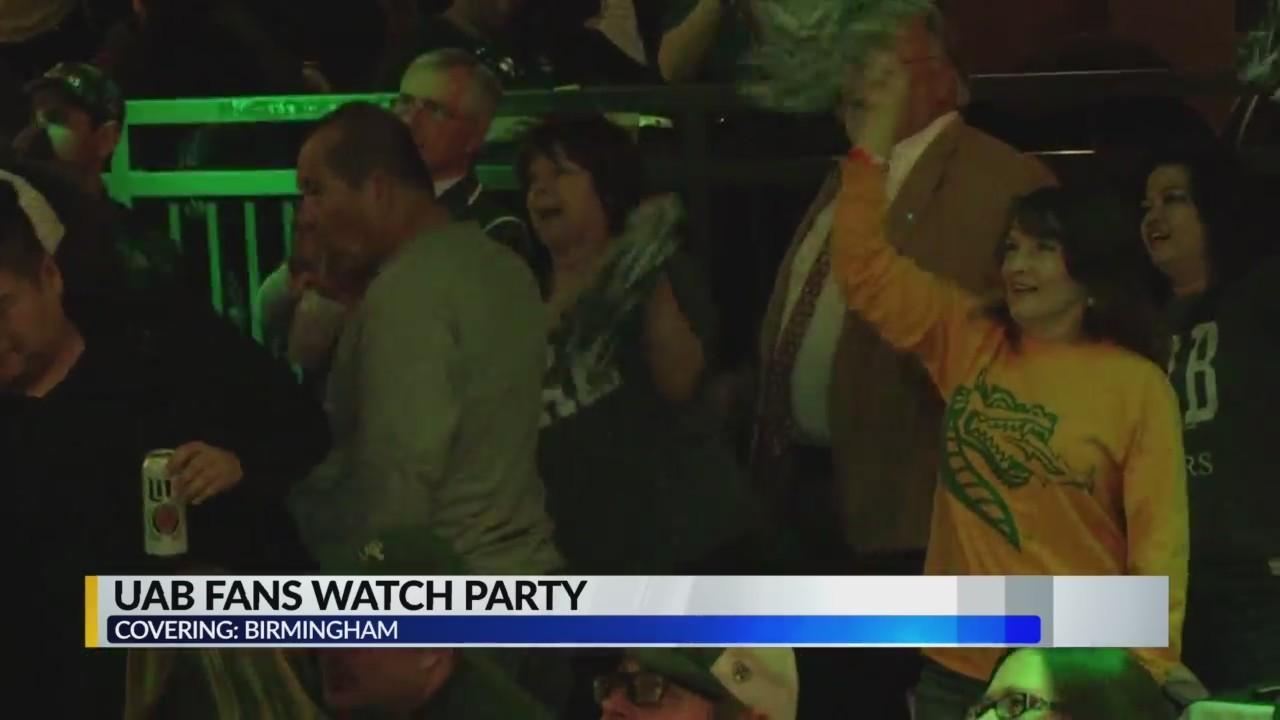 Hundreds attend Boca Raton Bowl watch party at Iron City