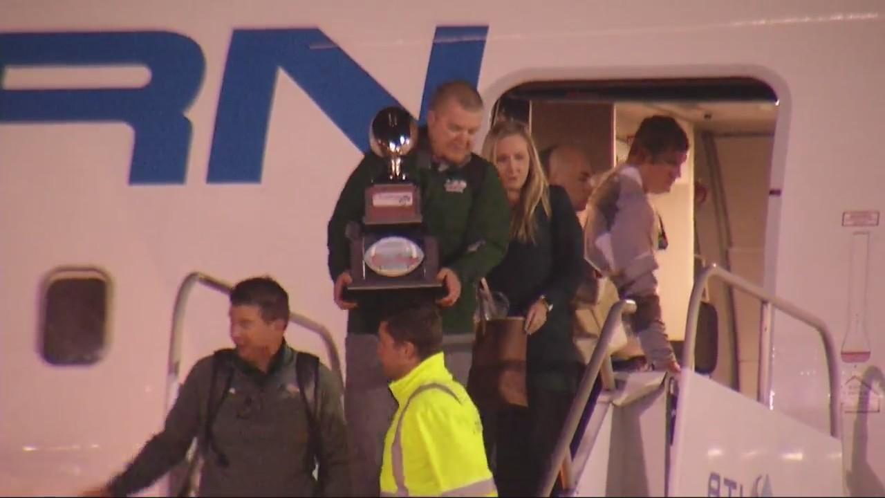 UAB_returns_from_Boca_Raton_with_trophy_9_20181219174721