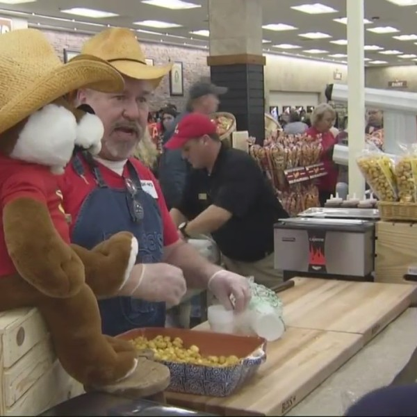 Buc-ee's gas station opens in Baldwin County