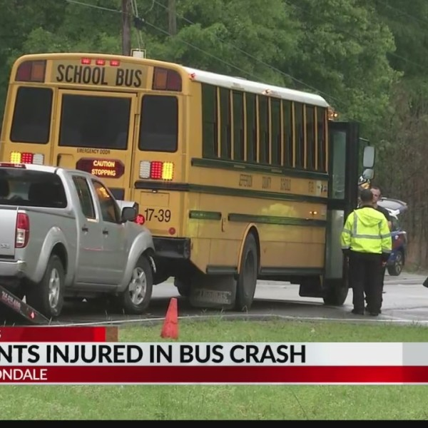 5 students injured in bus crash in Irondale