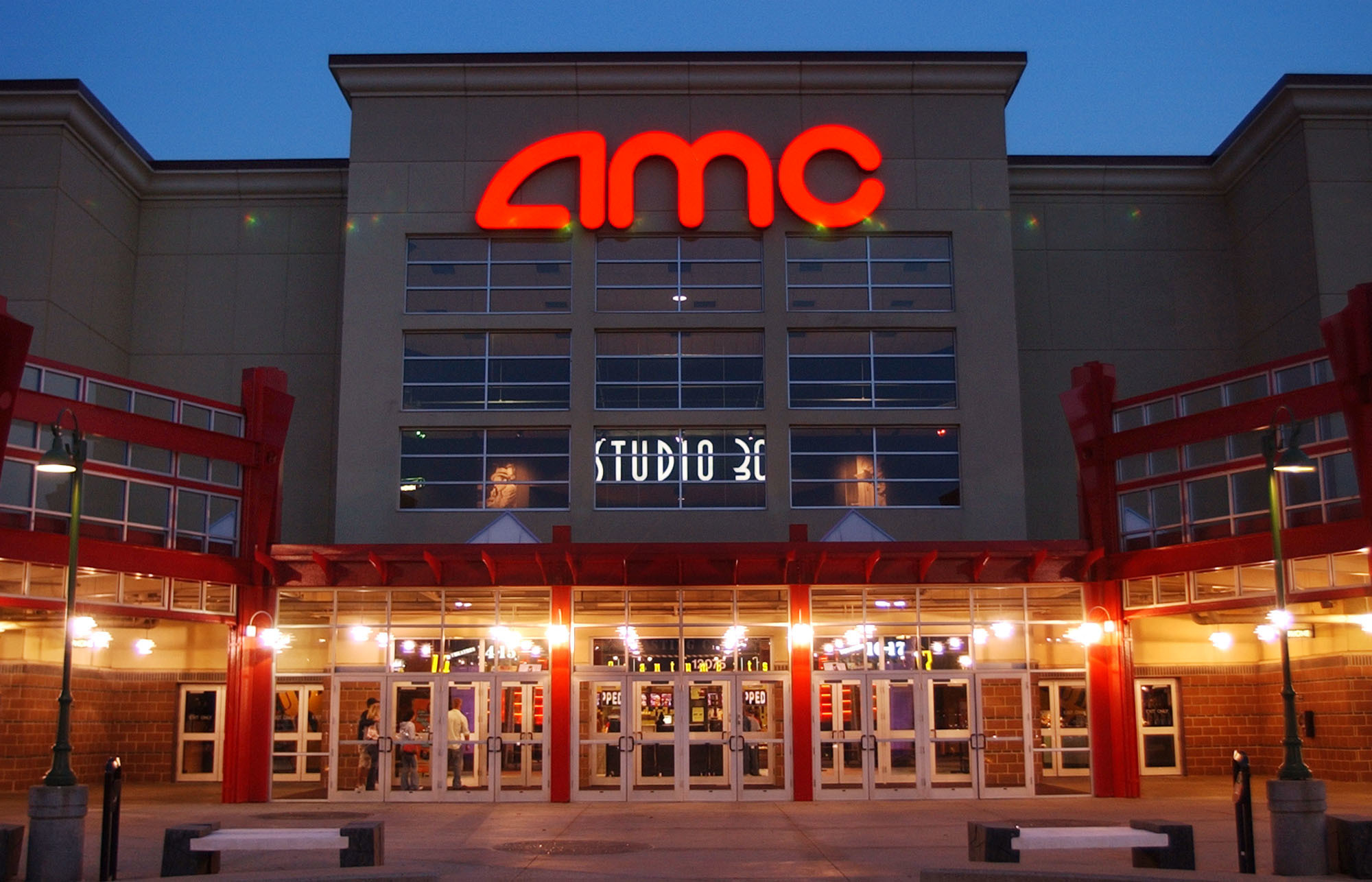 AMC_Theatres_Subscription_Service_30740-159532.jpg77759801