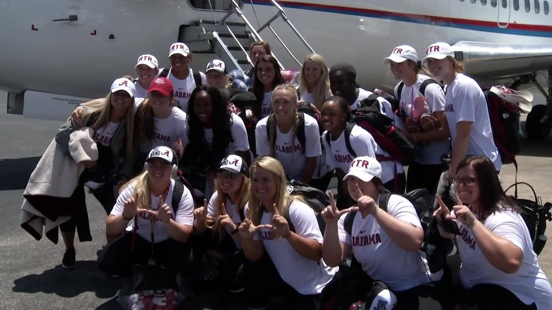 Alabama_Softball_departs_for_Women_s_Col_4_20190528203917