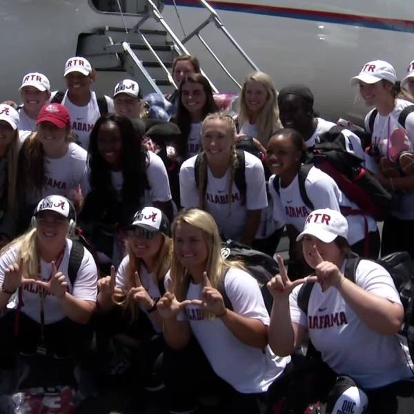 Alabama_Softball_departs_for_Women_s_Col_4_20190528203917