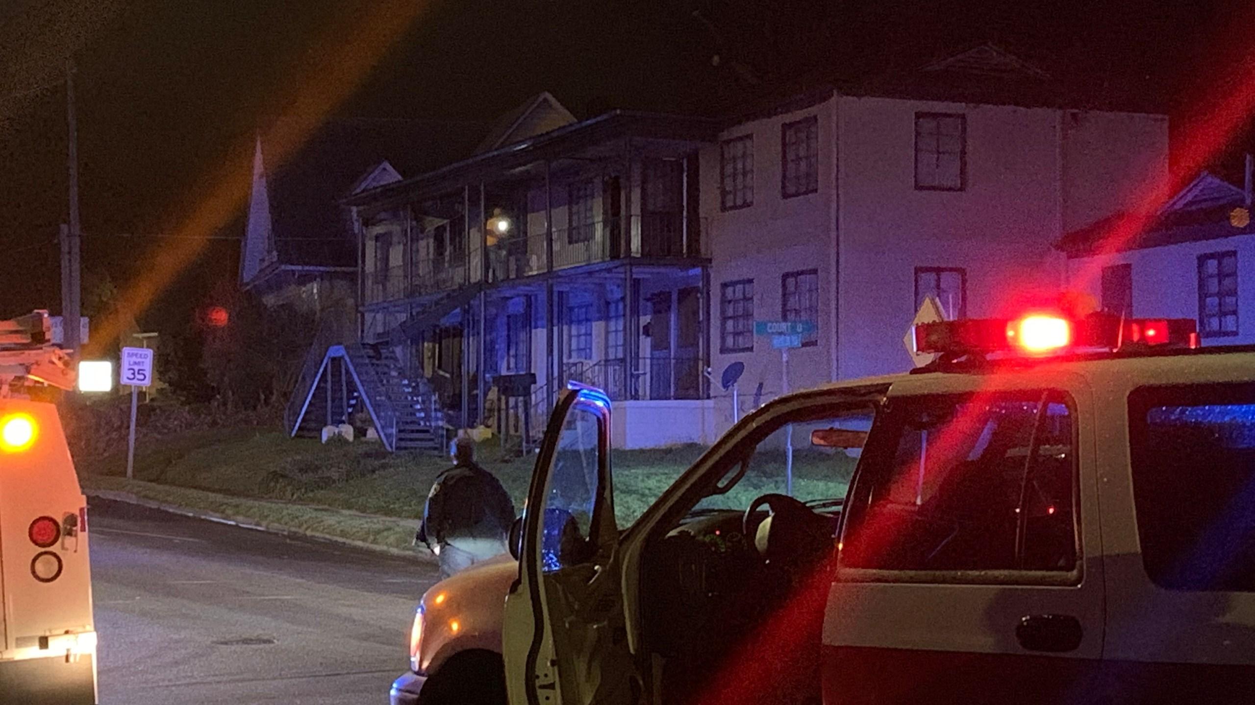 Children injured in apartment fire